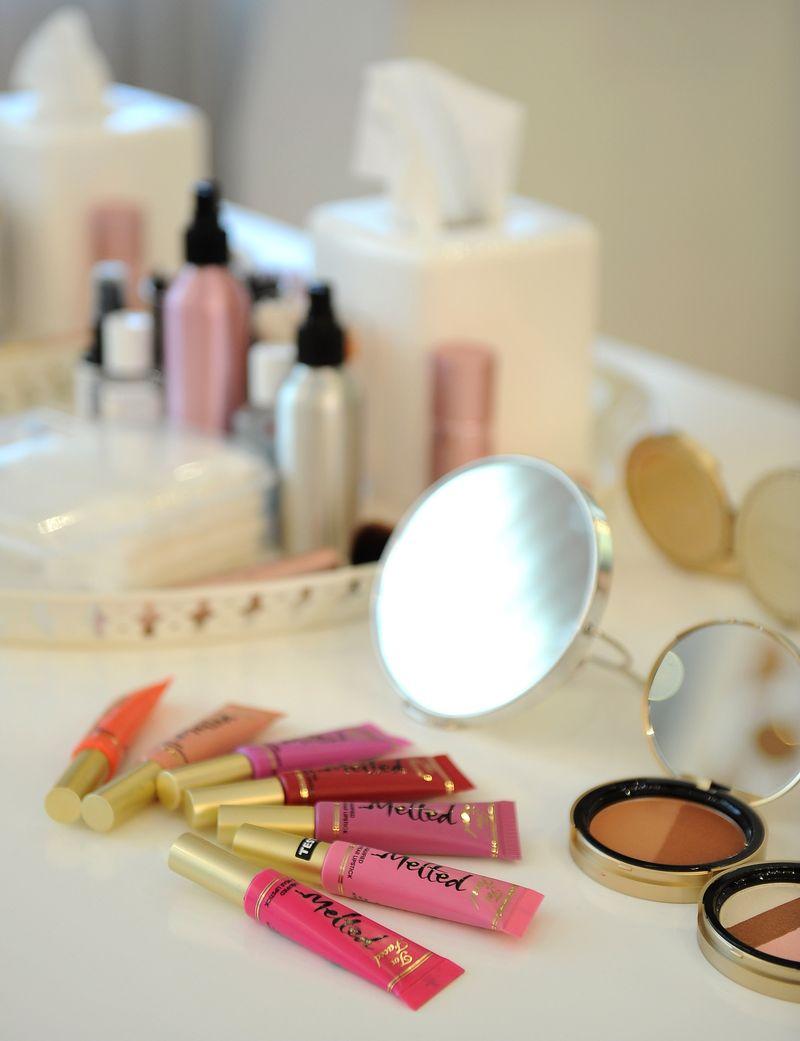 So hält dein Make-Up auch an heißen Sommertagen