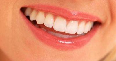 Kohle-Zahnpasta - eine Revolution.