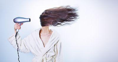 Kaputte & strapazierte Haare reparieren