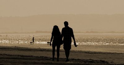 Die 2 goldenen Regeln für eine glückliche Beziehung