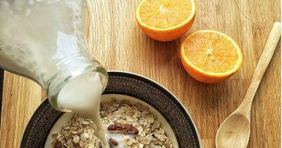Diese drei Lebensmittel helfen gegen trockene Haut