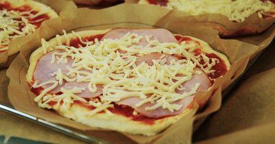 Mini-Pizzen selber machen