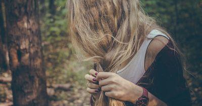5 Angewohnheiten durch die dein Haar fettig wird!