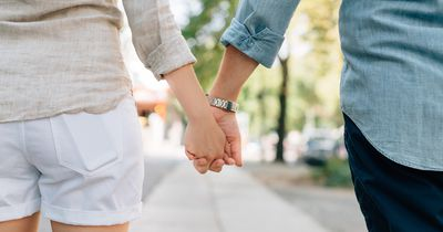 """Mit diesen Dingen sagen Männer ganz ohne Worte """"Ich liebe dich"""""""