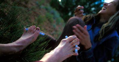 Sehen DEINE Füße so aus? DANN könntest DU krank sein!