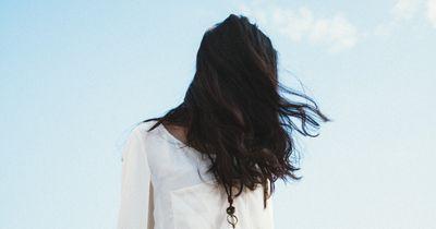 Rizinusöl für dickere Haare