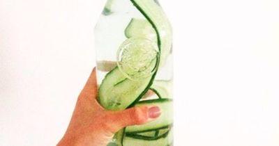6 Gründe, warum du unbedingt Gurkenwasser trinken solltest