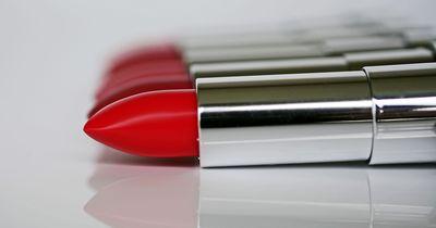 Diese tollen Farben trägt man jetzt auf den Lippen