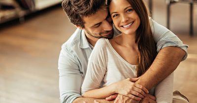 Gewichtsfalle Beziehung: Deshalb nehmen glückliche Paare zu