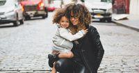 Dein Sternzeichen verrät dir, wie du als Mutter sein wirst