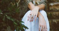Darum ist der Ring am kleinen Finger jetzt der neue Modetrend