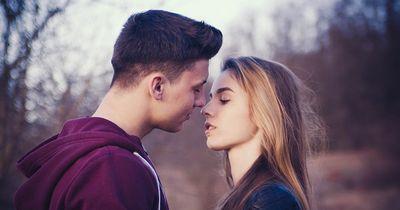 Das verrät euer Kuss über eure Beziehung