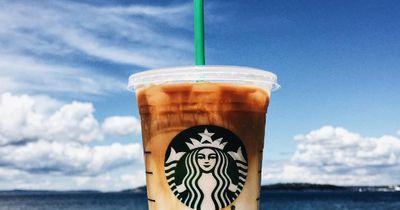 Starbucks-Mitarbeiter schreibt ein Wort auf ihren Becher - und ändert ihr Leben