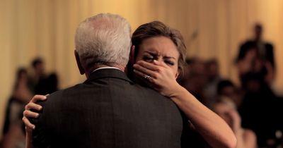 Sie tanzt den traurigsten Hochzeitstanz aller Zeiten