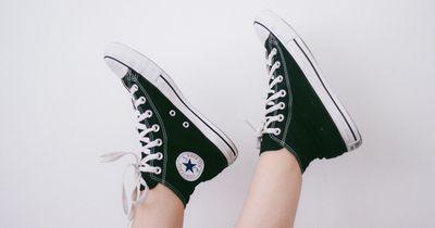 So machst du Schluss mit stinkenden Schuhen