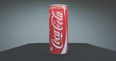 So sieht dein Zahn nach einem Cola-Bad aus