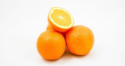 So schälst du Orangen schnell und sauber