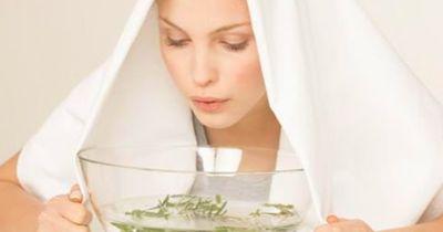 Omas Tipp: Bei Erkältung inhalieren – so geht's