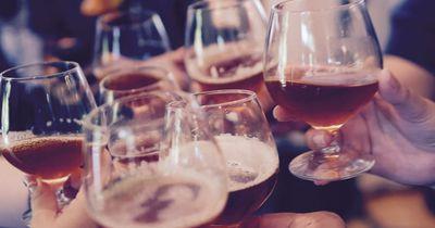 Nehmen wir durch Alkohol wirklich so viel zu?