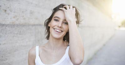 Trend: Die Gesichtsrasur für Frauen – muss das sein?