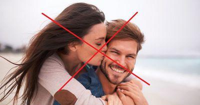 9 Dinge, die Paare lieber nicht voreinander machen sollten!