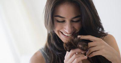 Wer diese schlechten Angewohnheiten bricht, bekommt endlich schöne Haare