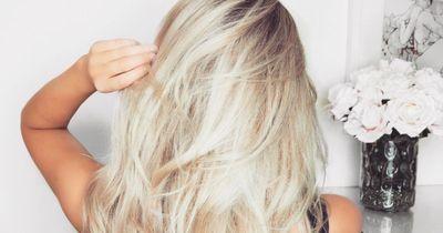 Dieses Hausmittel hilft wirklich gegen graue Haare