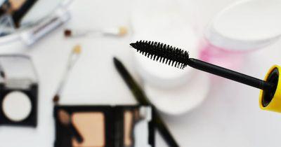 Diesen Mascara-Fehler begehen wir alle