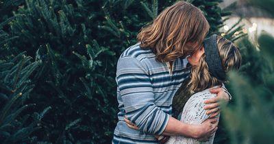 Hast du dich schon mal gefragt, warum sich Menschen eigentlich küssen?