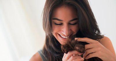Für diese natürlichen Haarkuren brauchst du nur deinen Kühlschrank!