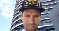 """""""Honey"""" Alexander Keen wird Moderator"""
