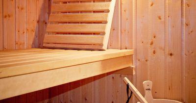 Achtung! Das ist ein Riesen-No-Go in jeder Sauna