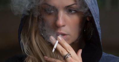 Du bist Raucher? Dann riskierst du Zahnverlust