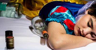 Drogen, Alkohol und Co.: So habt ihr die Disney-Prinzessinnen noch nie gesehen