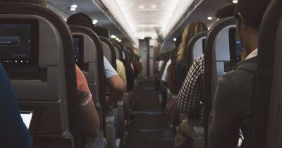 Getränke im Flugzeug: Das würden Flugbegleiter niemals trinken
