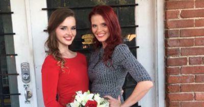 Nach dem Tod ihrer 16 jährigen Tochter, fand ihre Mutter diese unglaublichen Briefe