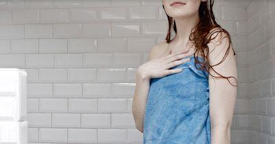 Beim Duschen wird ein wichtiges Körperteil häufig vergessen