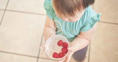 Studie zeigt: Babys, die so gefüttert werden, sind doppelt so oft übergewichtig