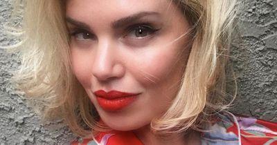 Diese Frau schminkt sich ein Jahr lang nicht ab